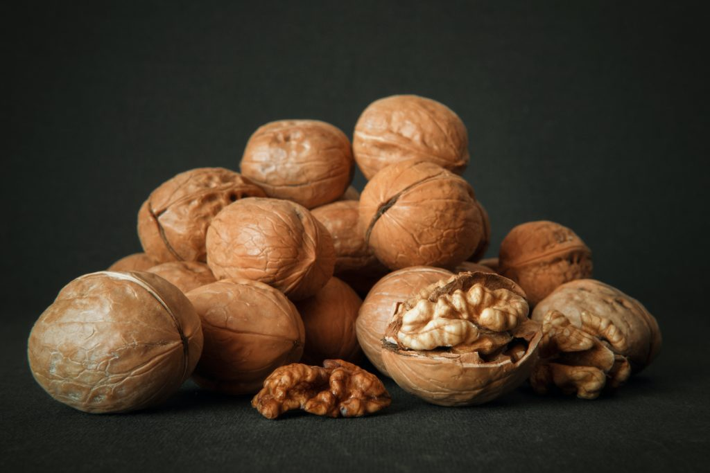 Walnuts for skin white